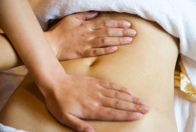 massage abdomen