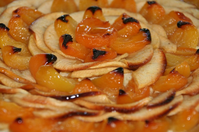Whole wheat apple and apricot pie